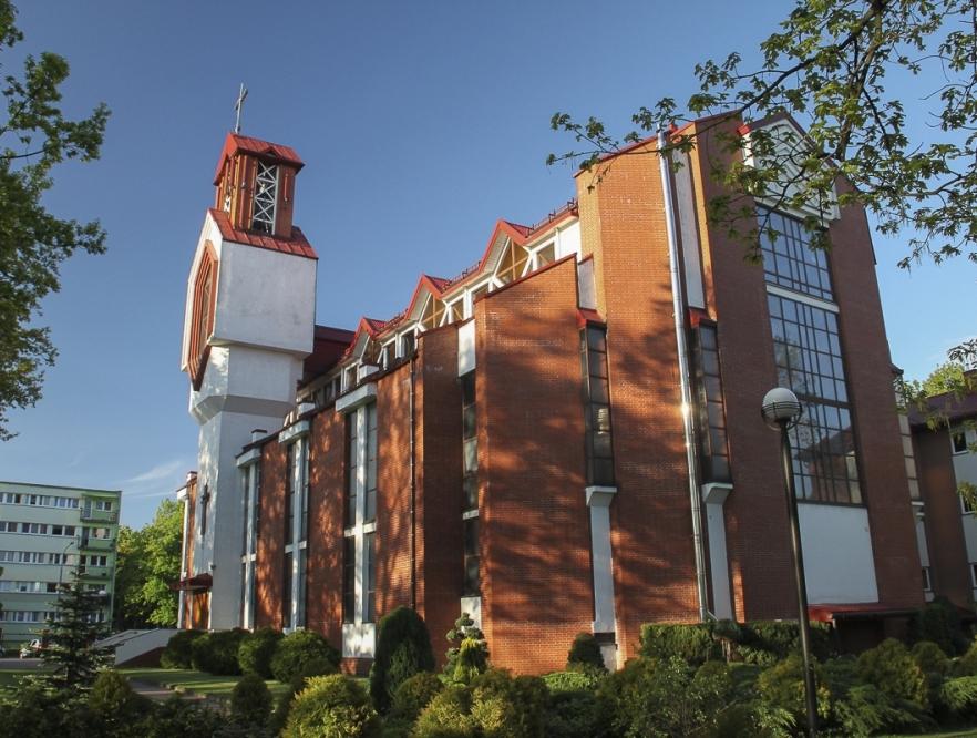 Kościół Niepokalanego Serca NMP - od ogrodu